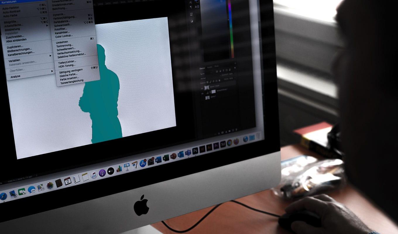 Bildschirm mit Photoshop Bildbearbeitung