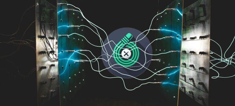 TouchRetouch Logo auf technischem abstrakten Hintergrund